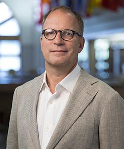 Portrait of Robert Weddle.