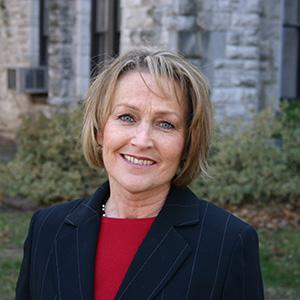 Portrait of Dr. Jayne White.